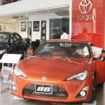 """Thị trường ô tô Việt được """"hâm nóng"""" lên vì thuế"""